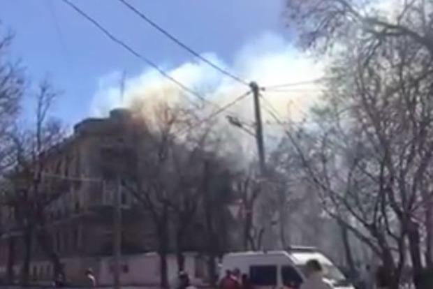 В Одессе загорелся 4-этажный жилой дом, эвакуированы 24 человека