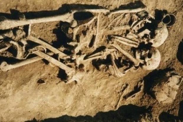 Вблизи Тернополя нашли могилу вероятно похороненной заживо пары