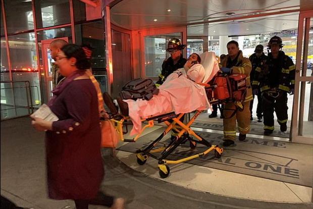 Около 30 пассажиров самолета «Стамбул - Нью-Йорк» получили травмы из-за турбулентности