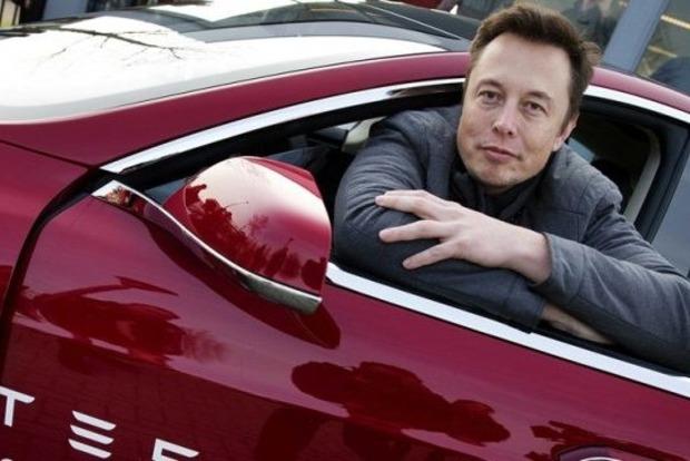 Маск запустит на Марс свой электромобиль Tesla Roadster