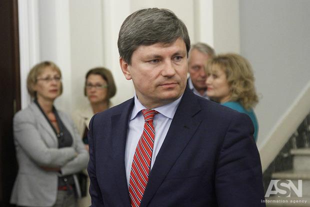 Луценко завтра планирует вручить подозрения Розенблату иПолякову