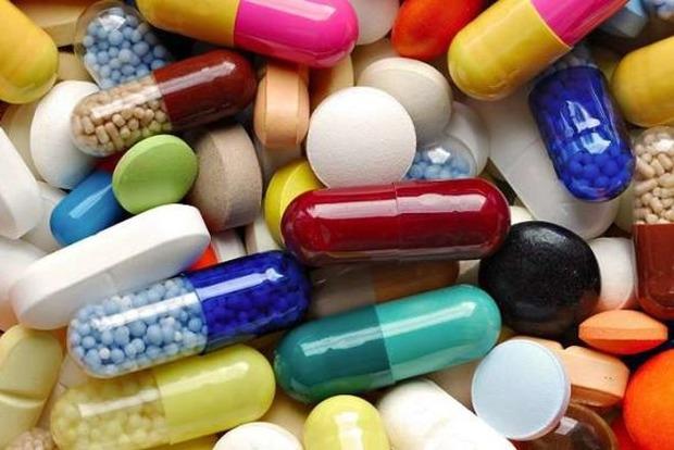 Стоимость некоторых импортных лекарств в Украине в январе-2014-июне-2015 выросла в три раза