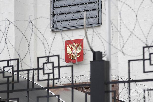 Украина решилась выслать дипломатов РФ из-за покушение на Скрипаля, а не тысяч смертей на Донбассе