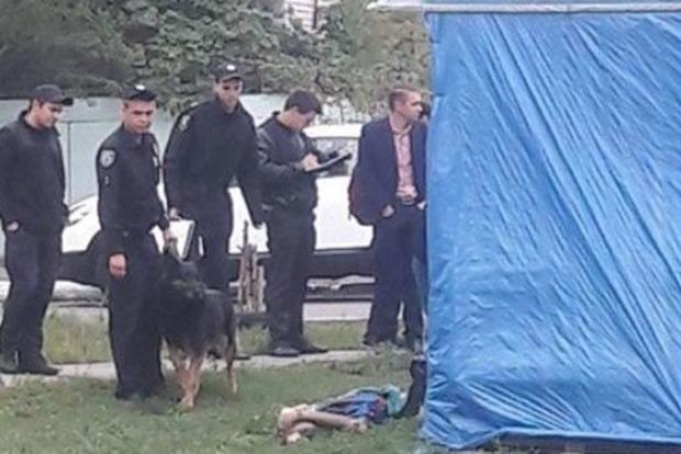 На Позняках в Киеве найдено тело мужчины