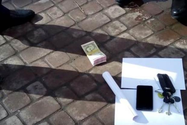В Хмельницкой области чиновник попался на взятке