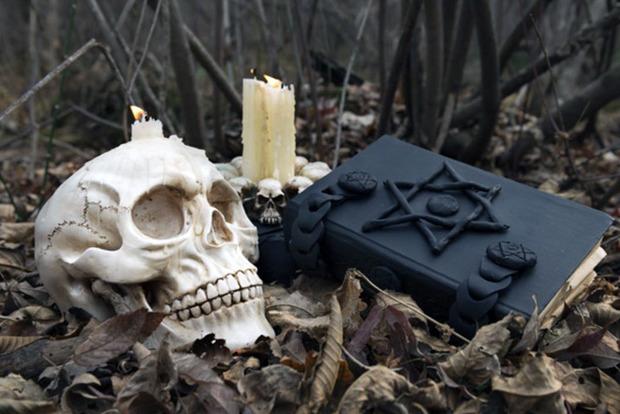 8 ознак того, що ви перебуваєте під впливом чорної магії