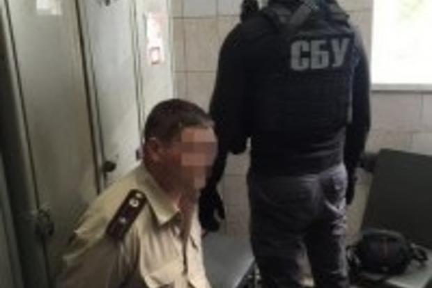В Киеве на взятке попался пожарный инспектор