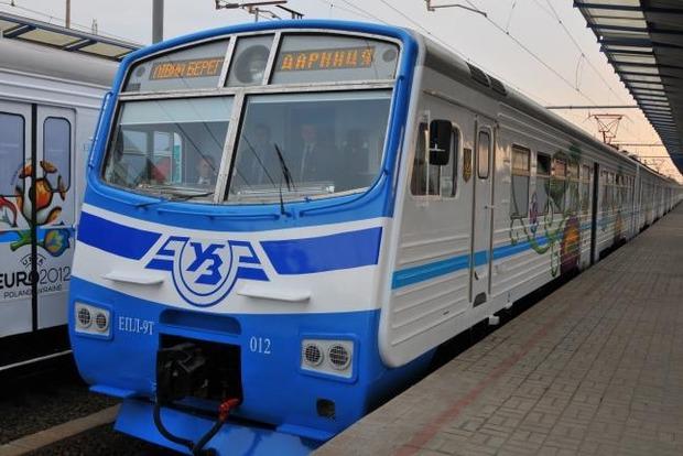 В Киеве из-за трех подростков на час остановили движение электричек
