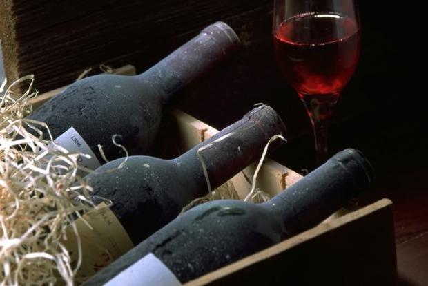 Катакомбы Парижа помогли ворам украсть 300 бутылок марочного вина