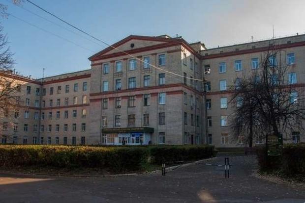 Все врачи заразились COVID-19. В Киеве закрыли на карантин целый Медгородок