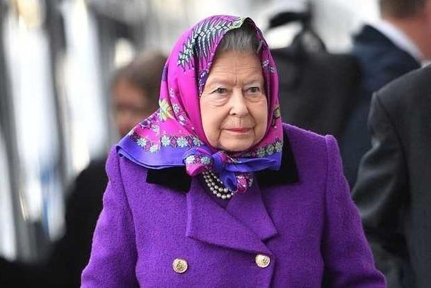 Королевский дворец сообщил о резком ухудшении здоровья Елизаветы II