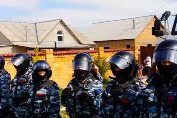 В оккупированном Крыму силовики избили и увезли в неизвестном направлении сына председателя Судакского меджлиса