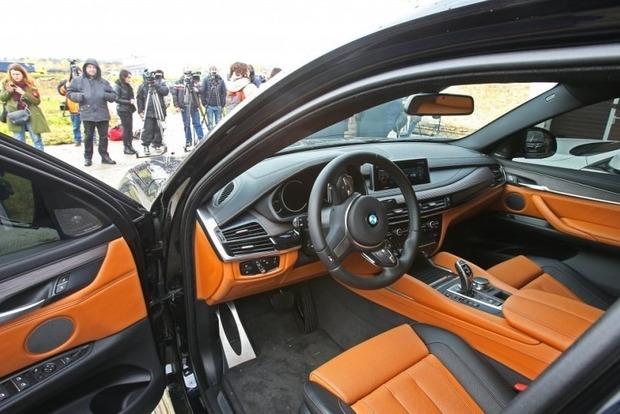 Украинские чиновники декларируют Lexus, Jaguar и Tesla по цене старого Ланоса