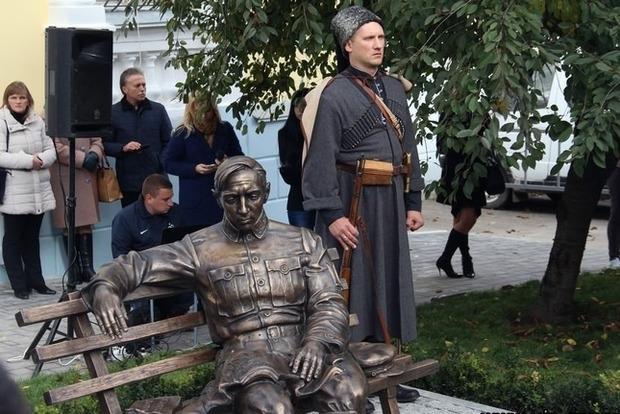 В Украине появится памятник Петлюре и Монумент Злуки