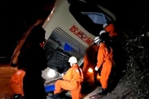 В Китае автобус столкнулся с цементовозом, 10 погибших, почти 40 травмированных
