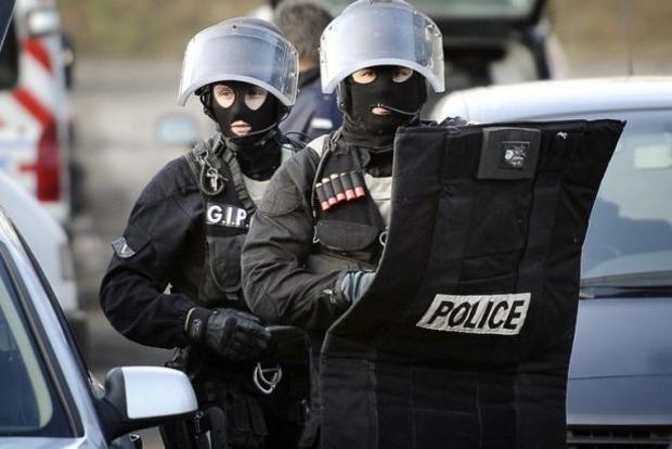 Французская полиция задержала двух женщин по подозрению в терроризме