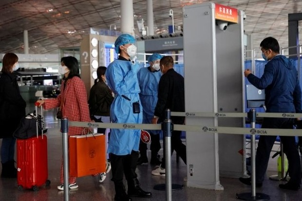 Китай временно запретил въезд из Украины по визам и ВНЖ