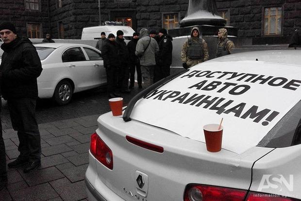 Снижения растаможки для авто с иностранной регистрацией пока не будет