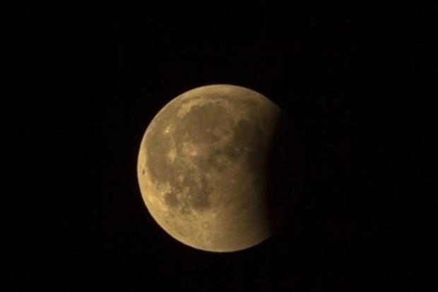 Полнолуние и лунное затмение: что станет губительным в день 10 января