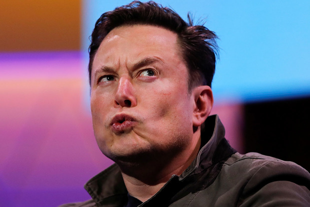 Инвестор Tesla подал в суд на Илона Маска из-за «беспорядочных» твитов
