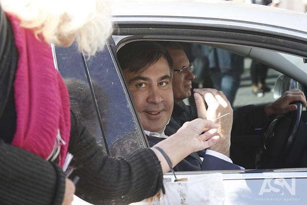 Саакашвили дает основания для его выдворения  - Госмиграционная служба