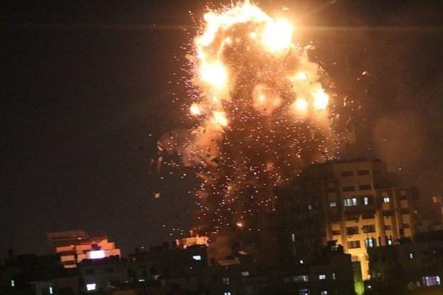 Израильская авиация разбомбила здание телеканала в секторе Газа