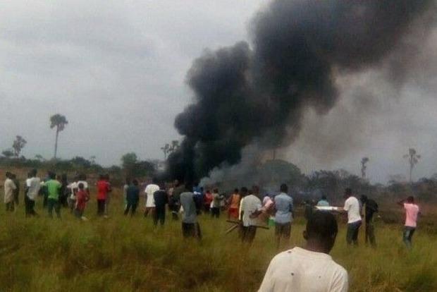 В Конго при крушении военного самолета погиб один украинец – МИД