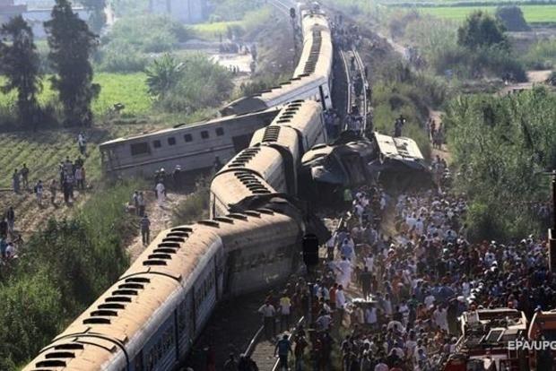 Зіткнення поїздів у Єгипті, вже 49 жертв. З'явилося відео