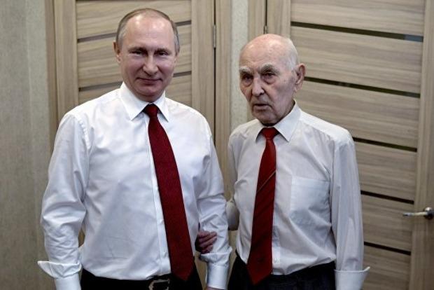Путин посетил экс-резидента КГБ, под руководством которого работал в Дрездене