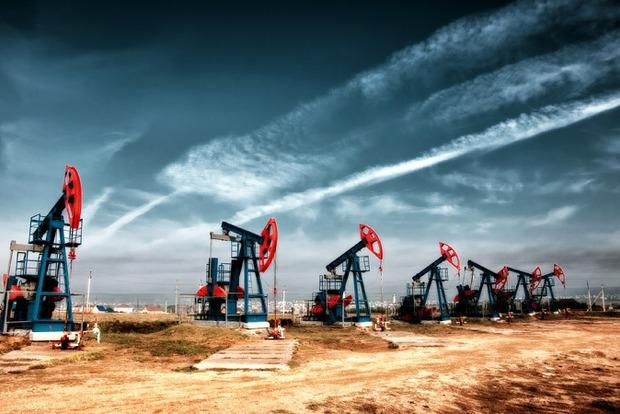 Bloomberg: Не входящие в ОПЕК страны договорились сократить добычу нефти