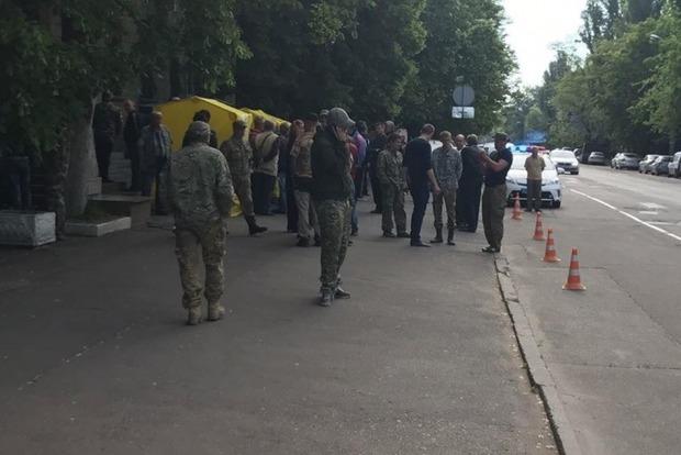 В Киеве неизвестные захватили кабинет главы Госгеологии