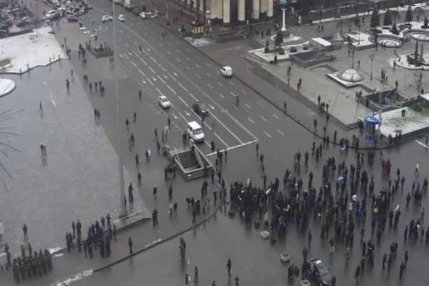 Отставные правоохранители перекрыли Крещатик, требуя пересчета выплат