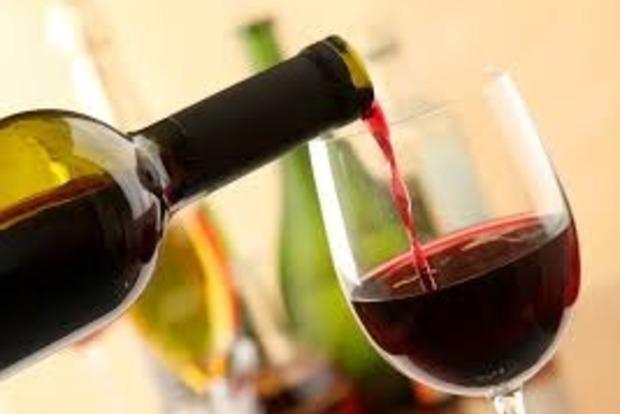 Ученые пояснили, почему ценное вино вкуснее, авысогласны? 4
