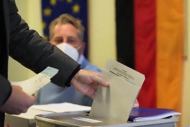 Блок Меркель проиграл на выборах в Германии