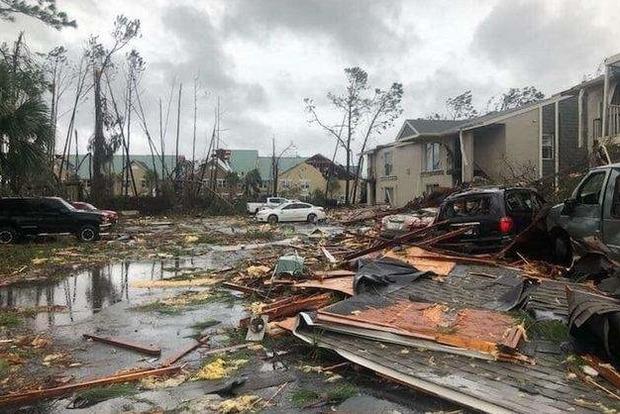 Опубліковані кадри наслідків руйнівного урагану Майкл у Флориді