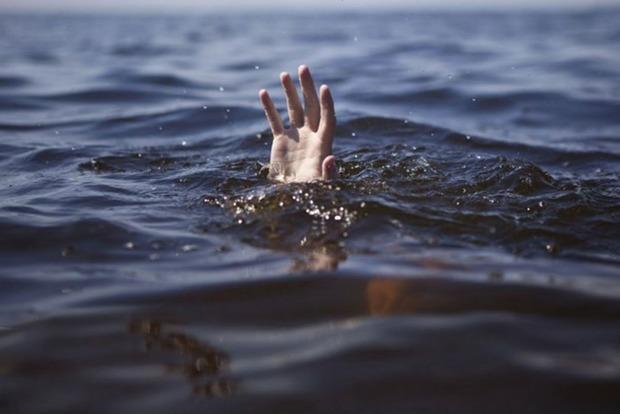 На Львовщине в озере загадочно утонул мужчина