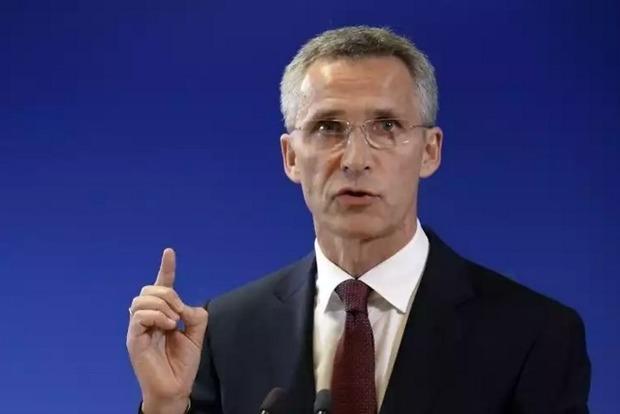 Генсек НАТО: РФ должна вывести войска с Донбасса