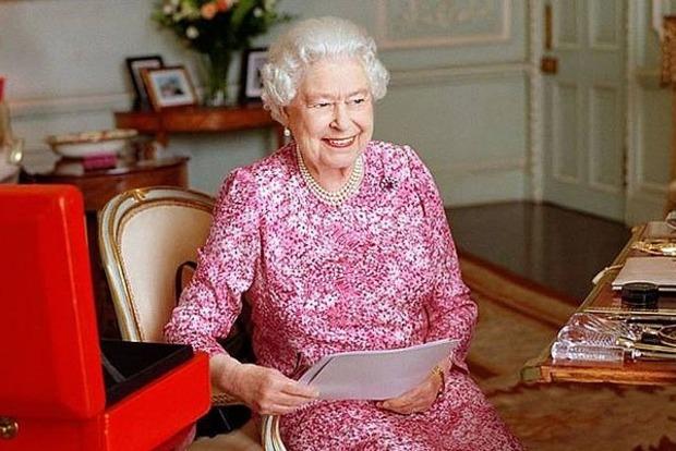 Правда ли, что Мерлин существовал? Королева Великобритании написала письмо школьнику из Запорожья