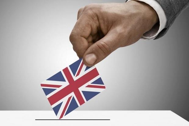 Партия премьера Терезы Мэй не получит большинство в парламенте Великобритании