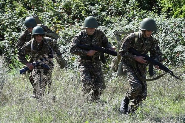 Азербайджан просит Украину не допустить выезда этнических армян в Карабах