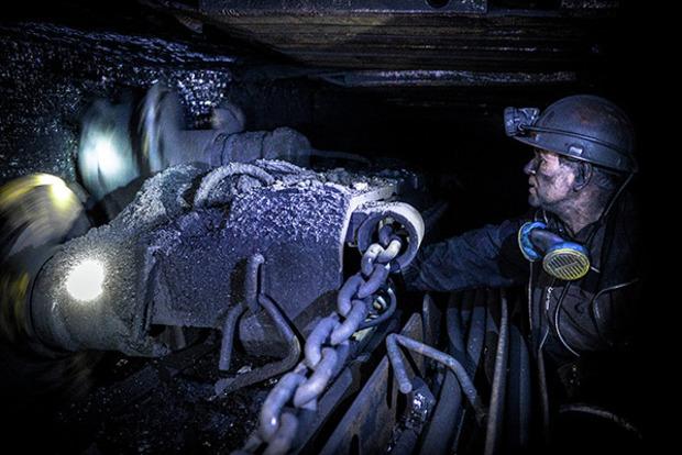 Взрыв на шахте на Донбассе. Известно о 10 пострадавших