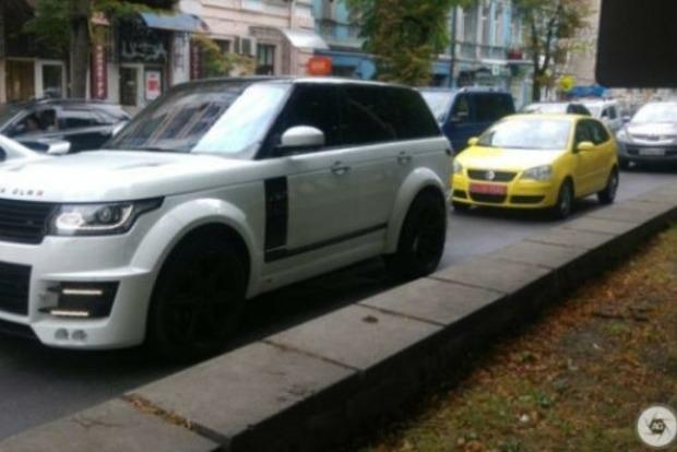 Тюнинг за $0,25 млн: в Киеве замечен уникальный Range Rover