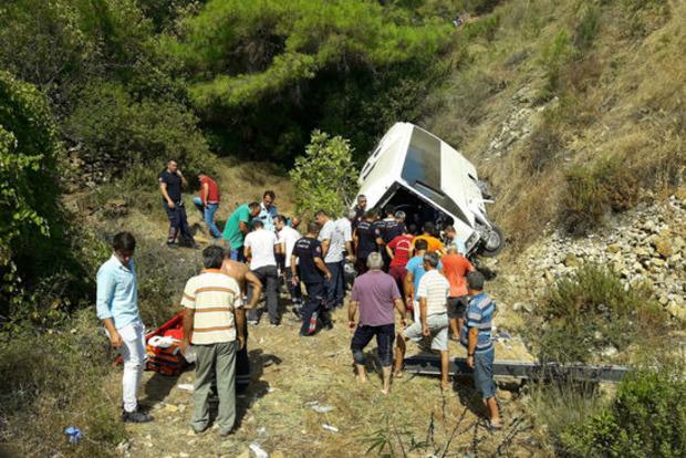 В Турции автобус упал в пропасть, четверо погибших