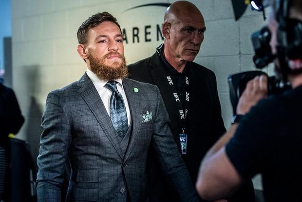 Макгрегор на месяц отстранён от боёв в UFC
