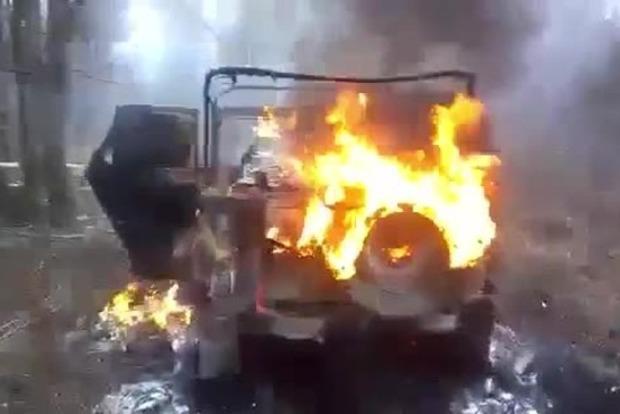 На Львовщине контрабандисты сожгли свое авто (фото, видео)