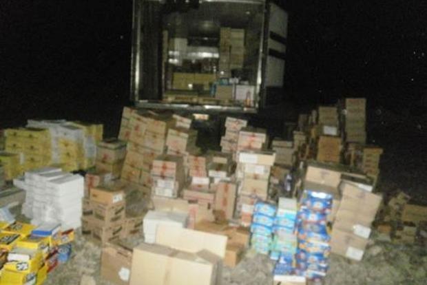 В Донецкой области СБУ не пропустила к боевикам три грузовика с товарами