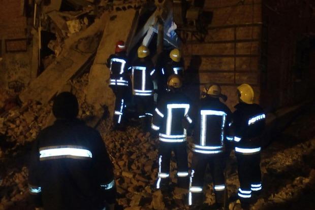 Из-под завалов общежития в Чернигове достали 17-летнего подростка - ГСЧС