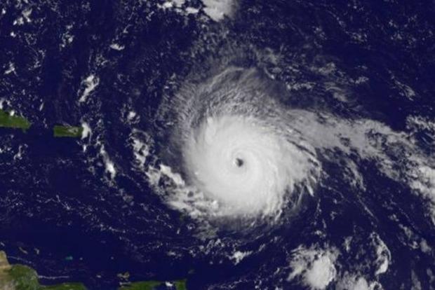 Разрушительный ураган Ирма приближается к штату Флорида
