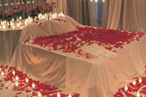 Обклав трояндами й усю ніч мучив. Під Києвом сталося дивне пограбування