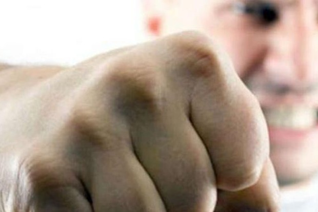 Школьника, который сделал замечание компании взрослых, избили на Кировоградщине